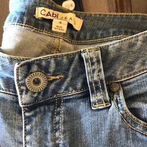 Ankle zipper faded wash jean